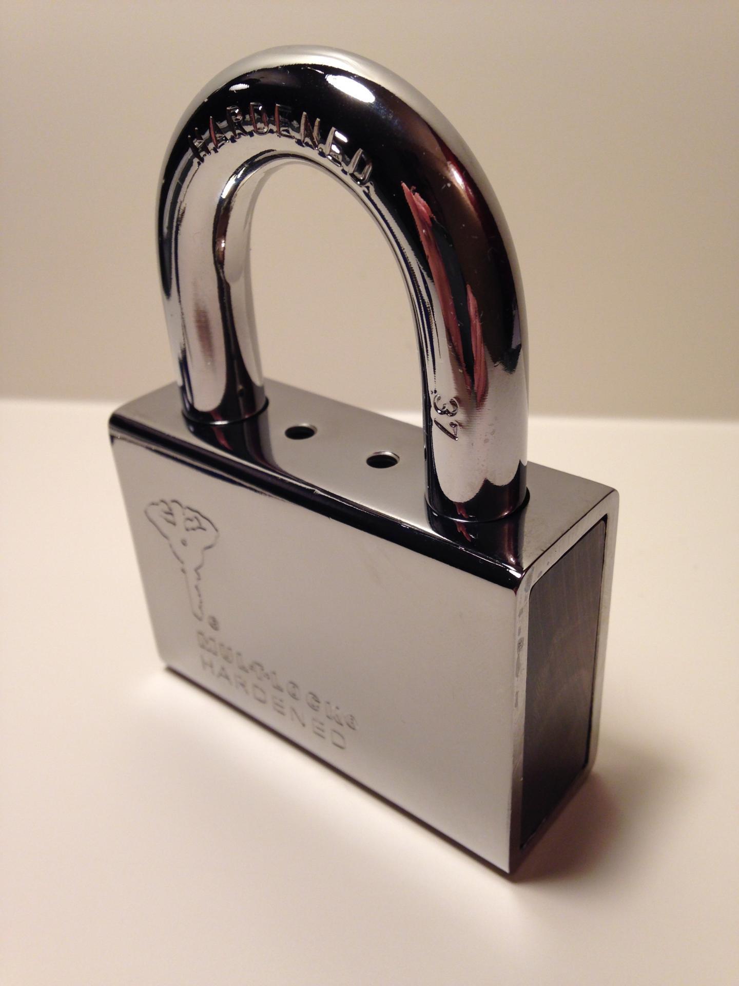 Cadenas Haute Sécurité Professionnelle MUL-T-LOCK  CAD-C13 REG