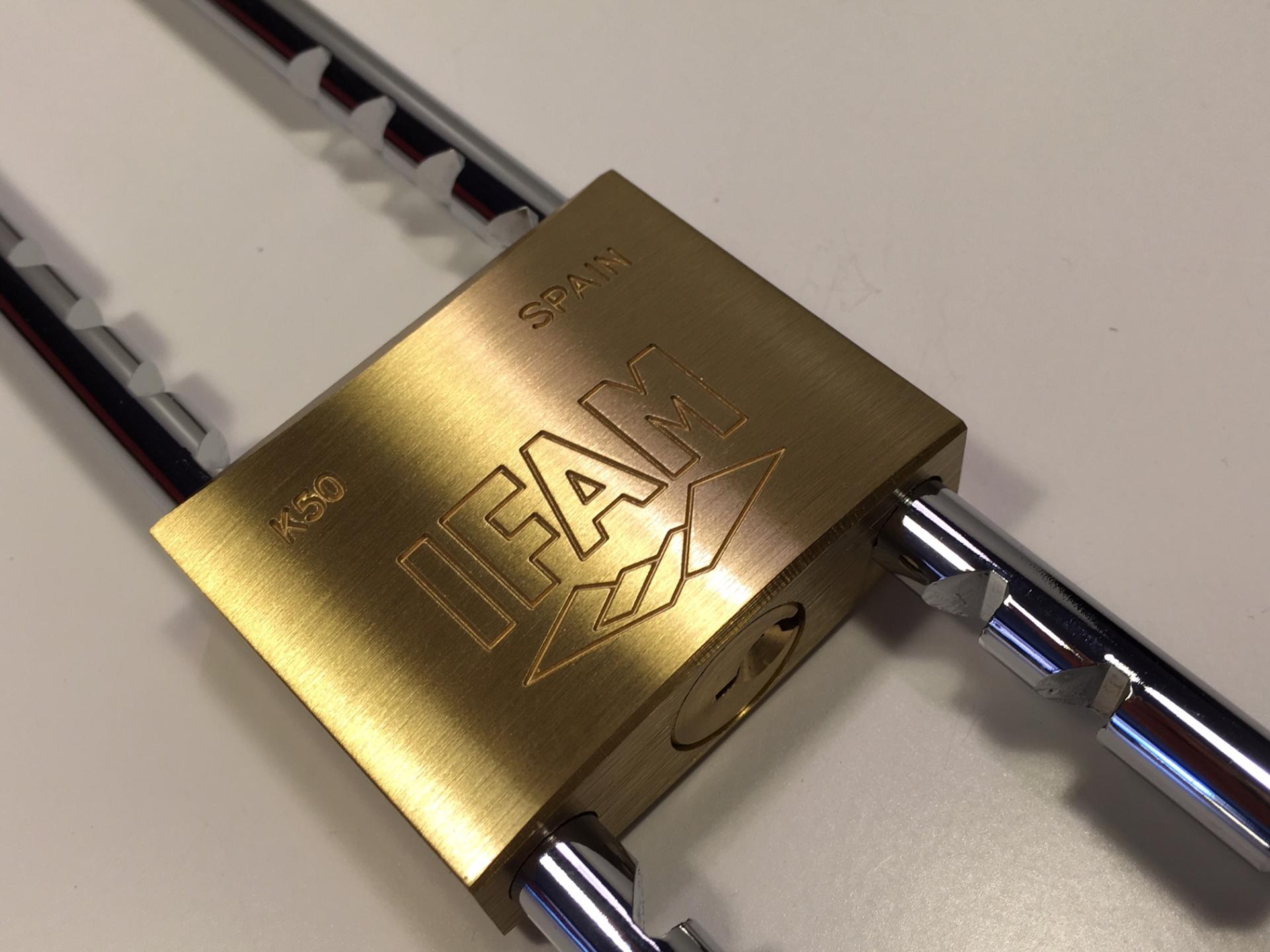 Cadenas 50 mm avec anse adaptable ifam