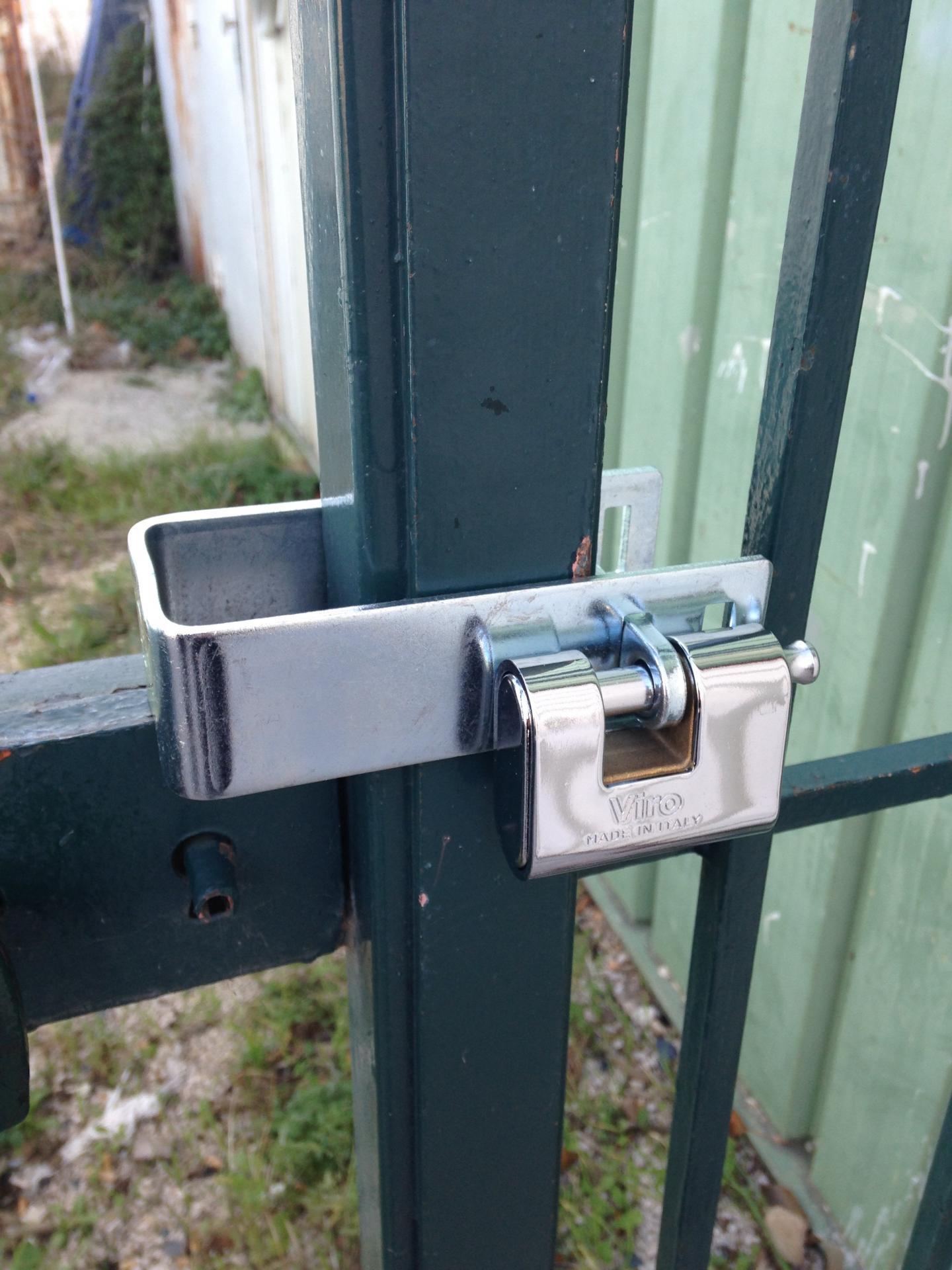 Collet porte cadenas c ment viro 676 - Cadenas pour porte de garage ...