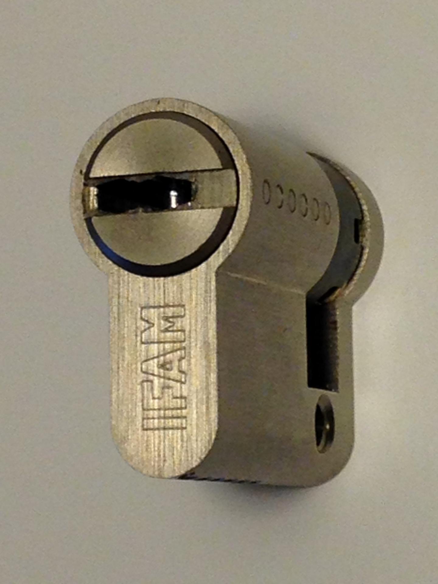 Demi cylindre de haute secutie