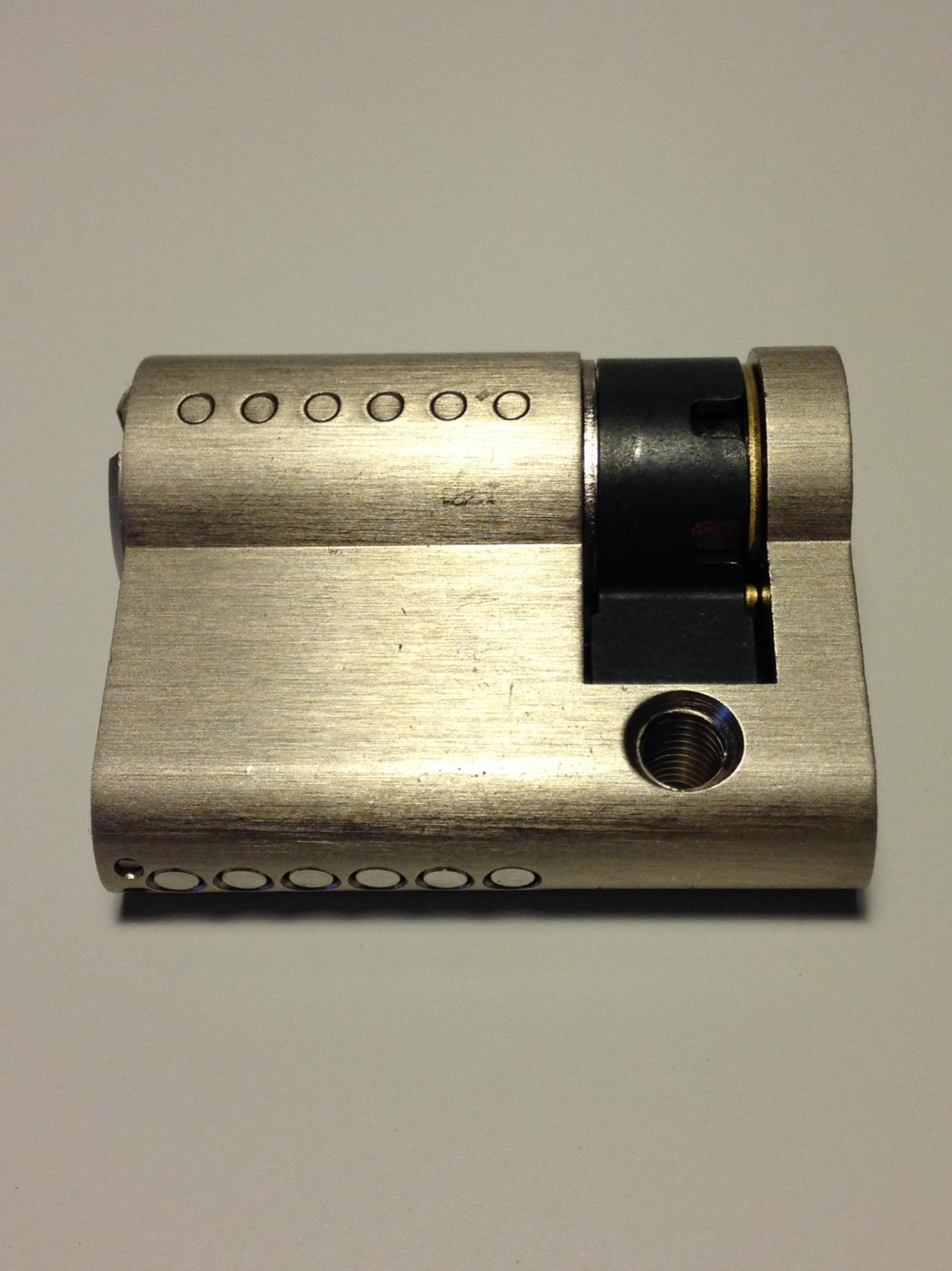Demi cylindre wx haute secutie