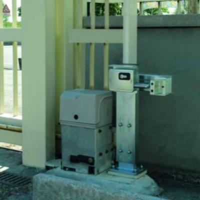 KIT colonne pour l'installation de la serrure Viro 7905 V09 sur portail coulissant. REF 7905.0600