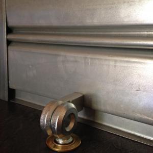 Porte cadenas viro 695 pour rideaux metalliques et portes de garage jpg 1