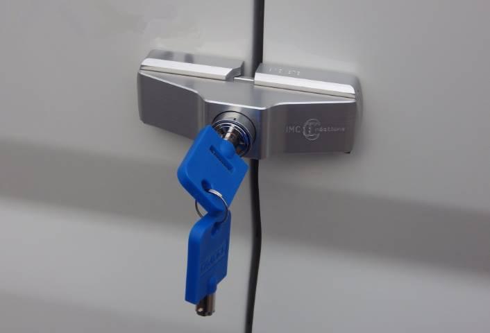 Serrure antivol pour porte des utilitaires imc1834