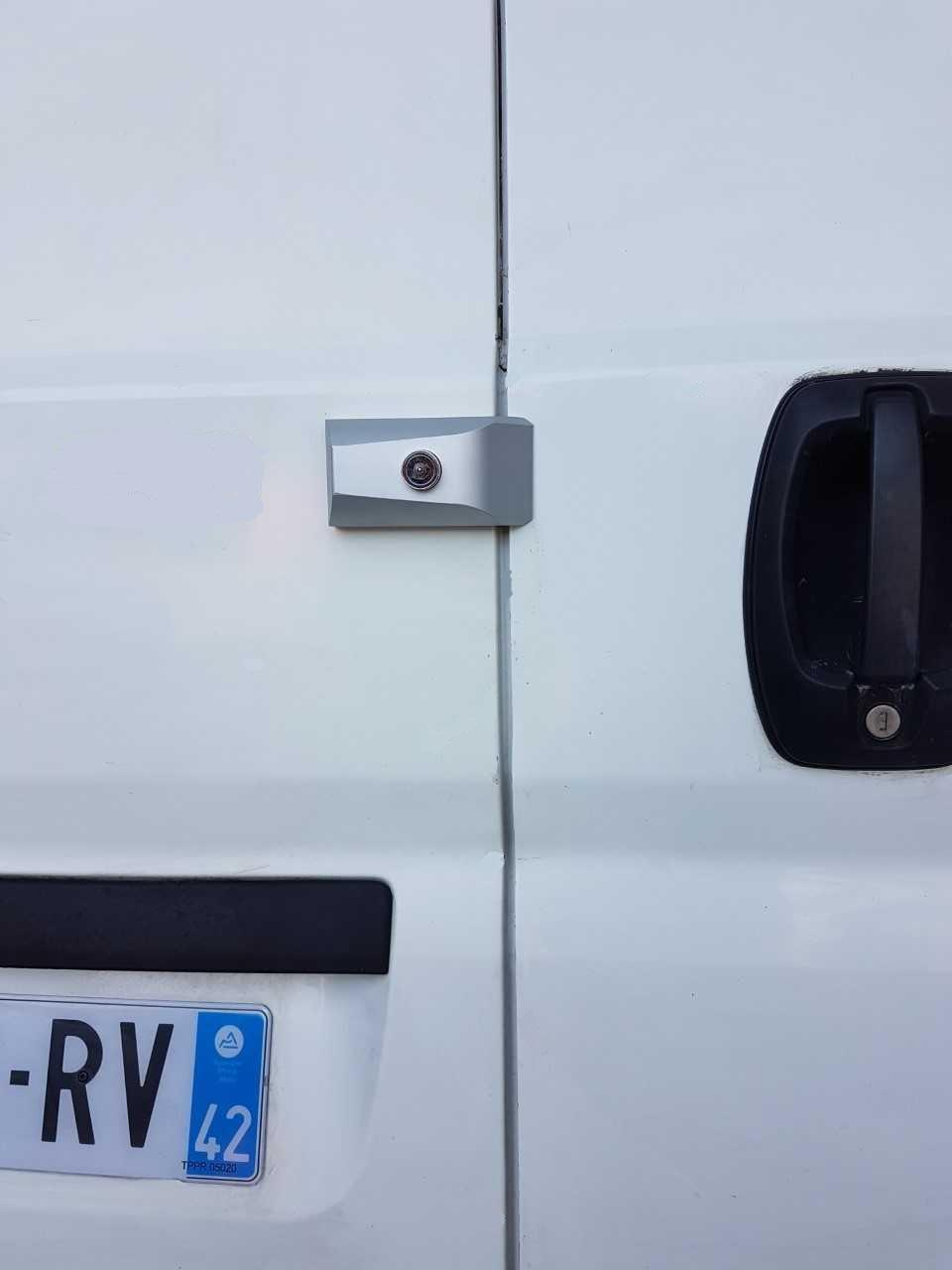 Serrure antivol pour vehicules utilitaires imc 2333 2321 verrou fuyant
