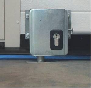 Serrure electrique viro 7905 v06 avec harpon rotatif pour porte de garage motorisee