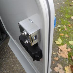 Verrou integre imc 2210 pour coffre de camping car caravane bus ambulance